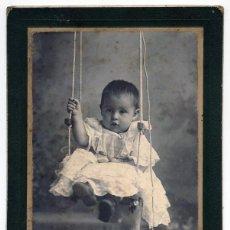 Fotografía antigua: EMILIO G. LOBATO SAN LUIS POTOSI MEXICO NIÑO EN COLUMPIO. Lote 41746880
