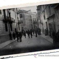 Fotografía antigua: VINAROZ CASTELLON GUERRA CIVIL UNA CALLE FOTOGRAFIA POR SOLDADO ALEMAN DE LA LEGION CONDOR. Lote 42620576