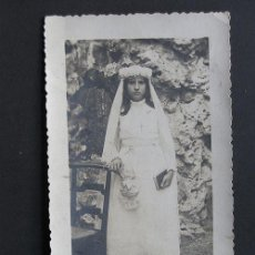 Fotografía antigua: ANTIGUA FOTOGRAFIA DE NIÑA EN SU PRIMERA COMUNION / PIRINEO AÑOS 20 / CARTE POSTALE. Lote 43262081