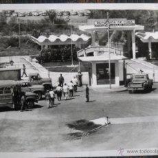Fotografía antigua: CUBA - TRABAJADORES BASE NAVAL GUANTÁNAMO - 1964. Lote 43976517