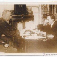 Fotografía antigua: ALFONSO SANCHEZ GARCIA. PRIMER DESPACHO ENTRE ALFONSO XIII Y PRIMO DE RIVERA. 1923. Lote 43981346