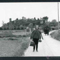 Fotografía antigua: ALTAFULLA. CARRETERA DEL CASTILLO DE TAMARIT. TARRAGONA. 4/5/1967. Lote 44154860