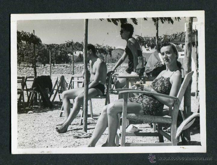 IBIZA. TURISTAS. TERRAZA. 1953 (Fotografía Antigua - Gelatinobromuro)