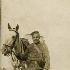Fotografía antigua: GUERRA CIVIL. MELILLA. OFICIALES, CABALLERIA, SOLDADOS, ARMAS Y ESTAMPAS-2 C. 1936. Lote 45869084
