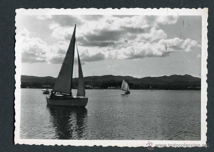IBIZA. BAHÍA DE SANT ANTONI. BARCAS. 8/1954 (Fotografía Antigua - Gelatinobromuro)