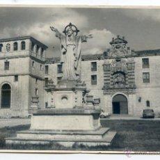 Fotografía antigua: MONASTERIO DE SAN PEDRO DE CARDEÑA, BURGOS. FOTO VILLAFRANCA 17,5 X 11,3 CMS.. Lote 45993993