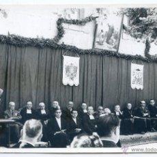 Fotografía antigua: MIRANDA DE EBRO. ACTO OFICIAL COLEGIO SAGRADOS CORAZONES, PROCURADOR EN CORTES JOSÉ MARÍA CODÓN. Lote 46367579