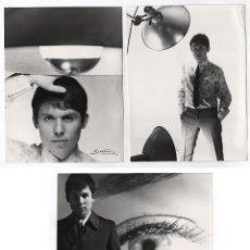 Fotografía antigua - Raphael, 4 fotografías originales del cantante, 1960's. Fotos: Vicente Ibáñez, Madrid. 18x24cm. - 47780751