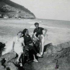 Fotografía antigua: GARRAF. PRECIOSA FOTO DE TURISTAS. C. 1930. Lote 48425664