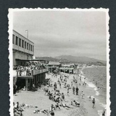 Fotografía antigua: BARCELONETA. PLAYA DE SAN SEBASTIAN. C. 1960. Lote 48468042