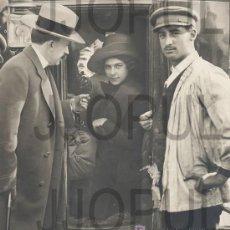 Fotografía antigua: ANTIGUA FOTOGRAFIA ORIGINAL DE PASTORA IMPERIO EN COCHE PRINCIPIOS SIGLO XX. Lote 48549530