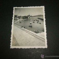 Fotografía antigua: NEGURI VIZCAYA PUERTO PESQUERO FOTOGRAFIA 1946 6 X 4,5 CMTS. Lote 48733911