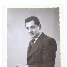 Fotografía antigua: F-279. FOTOGRAFIA PERSONAJE MASCULINO. AÑO 1935. FOTO DE ESTUDIO.. Lote 49526032