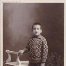 Fotografía antigua: F-471. FOTOGRAFIA DE ESTUDIO DE UN NIÑO. AÑOS TREINTA. PALAFRUGELL.. Lote 50105537
