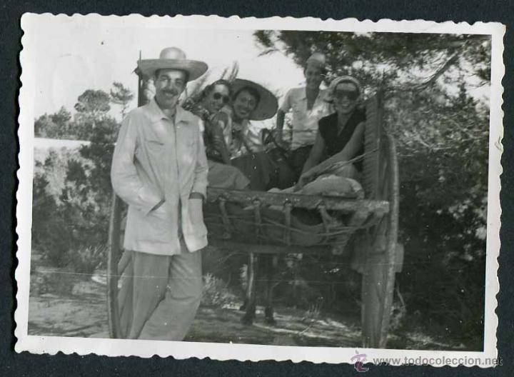 IBIZA. CARRO Y TURISTAS. C.1950 (Fotografía Antigua - Gelatinobromuro)
