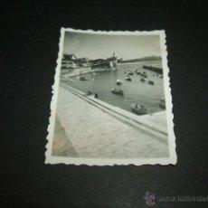 Fotografía antigua: NEGURI VIZCAYA PUERTO PESQUERO FOTOGRAFIA 1946 6 X 4,5 CMTS. Lote 50380153