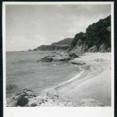 Fotografía antigua: LLORET DE MAR. COSTA BRAVA. ANTES DE LA MASIFICACIÓN TURÍSTICA. C. 1960. Lote 50386084