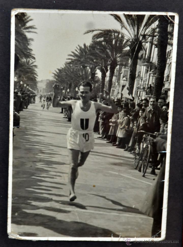Fotografía antigua: CONJUNTO 7 FOTOGRAFÍAS ATLETISMO. EQUIPO CAMPEÓN DE ESPAÑA DE CROSS COUNTRY A.E.TAGAMANENT.1933-1934 - Foto 4 - 52161566