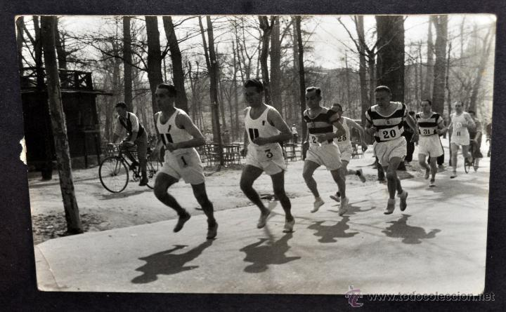 Fotografía antigua: CONJUNTO 7 FOTOGRAFÍAS ATLETISMO. EQUIPO CAMPEÓN DE ESPAÑA DE CROSS COUNTRY A.E.TAGAMANENT.1933-1934 - Foto 8 - 52161566