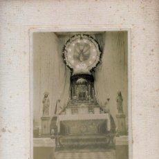 Fotografía antigua: CUDILLERO. ASTURIAS. EL ALTAR MAYOR DE LA IGLESIA ENGALANADO. C. LOPEZ. H. 1910. Lote 52325747