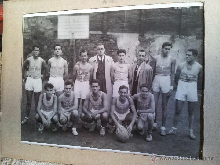 ANTIGUA FOTOGRAFIA EQUIPO FUTBOL AÑOS 30 JACE ...JUVENTUD ACCION CATOLICA ESPAÑA...BARCELONA (Fotografía Antigua - Gelatinobromuro)