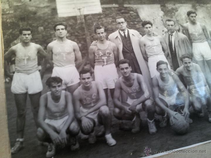 Fotografía antigua: ANTIGUA FOTOGRAFIA EQUIPO FUTBOL AÑOS 30 JACE ...JUVENTUD ACCION CATOLICA ESPAÑA...BARCELONA - Foto 3 - 52558519