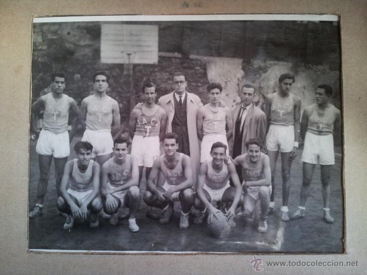 Fotografía antigua: ANTIGUA FOTOGRAFIA EQUIPO FUTBOL AÑOS 30 JACE ...JUVENTUD ACCION CATOLICA ESPAÑA...BARCELONA - Foto 9 - 52558519