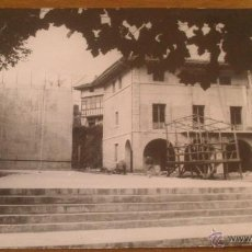 Fotografía antigua: BILBAO, COLEGIO O EDIFICIO OFICIAL, SELLO FOTOGRAFO MICKEY, PARTICULAR DE ABASOLO 4, FINAL URIBARRI.. Lote 52780155