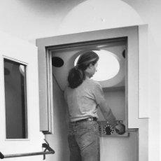 Fotografía antigua: JAMES TURRELL - 1992 - TELEPHONE BOOTH - FOTOGRAFIA WALTER KLEIN . Lote 53041150