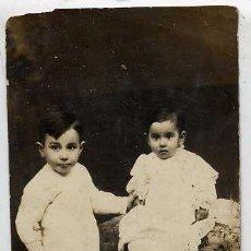 Fotografía antigua: FOTO L. CASSIGNOL BARCELONA RETRATO NIÑOS TAMAÑO POSTAL. Lote 53305789