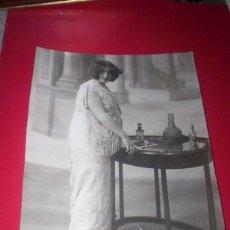 Fotografía antigua: GRAN FOTO ORIGINAL AÑOS 1910-20 - MODA TRAJE VESTIDO - FOTO LOUIS HUGELMANN PARIS. Lote 53392530