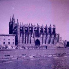 Fotografía antigua: CATEDRAL DE MALLORCA. ESPECTACULAR IMAGEN. MUNDO DESAPARECIDO. C.1930. NEGATIVO.. Lote 54053846