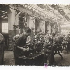 Fotografía antigua: TALLER MECANICO DE LA ESCUELA DE INDUSTRIAS. GIJÓN. ASTURIAS. FOTO LENA. 1940. POSGUERRA. Lote 54144641