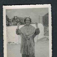 Fotografía antigua: IBIZA. IBICENCA. SOL. BONITA FOTO DE TRAJE CLÀSICO-1. C. 1965. Lote 54358677