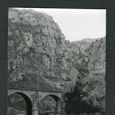 Fotografía antigua: BURGOS. PANCORBO. CARRETERA NACIONAL Y CODUCTORES. 1971. Lote 54446218