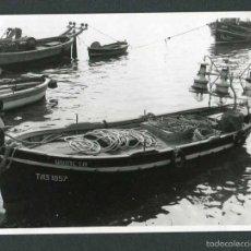 Fotografía antigua: TARRAGONA. CAMBRILS. PUERTO. BARCAS DE PESCA-6. 11/9/1966. Lote 55714927