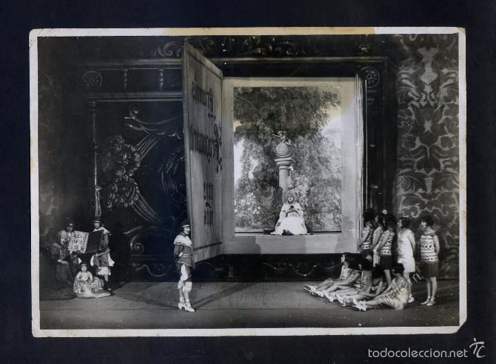 FOTO *A. MERLETTI. BARCELONA 1923* ESCENA DE TEATRO FEMENINO. FIRMA SELLO SECO *FOT. MERLETTI* (Fotografía Antigua - Gelatinobromuro)