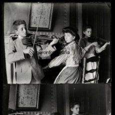 Fotografía antigua: RIPOLL, AGOSTO 1908. TERCETO MUSICAL, 2 CRISTALES NEGATIVOS 9X12CM.. Lote 56626984