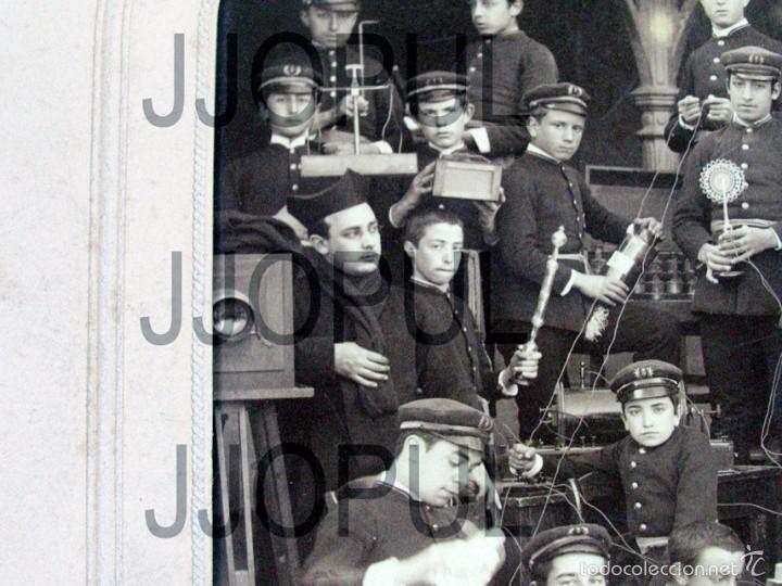 Fotografía antigua: DAVID. COLEGIO DEL S. C. DE JESUS. CARRION DE LOS CONDES. PALENCIA. INSTRUMENTOS CIENTIFICOS. 1889 - Foto 3 - 56976407