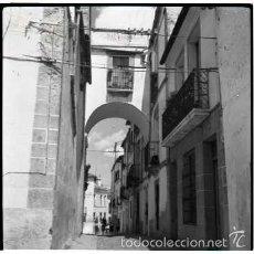 Fotografía antigua: CACERES. 5 NEGATIVOS FOTOGRAFICOS CELULOIDE 6X6. FOTÓGRAFO TURISTA FRANCÉS, AÑO 1954.. Lote 57124104
