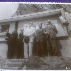 Fotografía antigua: FOTOGRAFIA ONDARROA, VIZCAYA, ACANTILADOS, INAGURACION MONUMENTO A JUAN EGUIDAZU. Lote 57920582