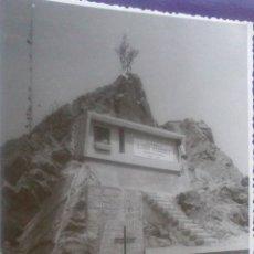 Fotografía antigua: FOTOGRAFIA ONDARROA, VIZCAYA, ACANTILADOS, INAGURACION MONUMENTO A JUAN EGUIDAZU. Lote 57920615