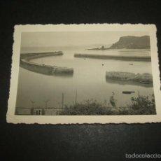 Fotografía antigua: VIZCAYA UN PUERTO FOTOGRAFIA AÑOS 40 6 X 9 CMTS. Lote 58083959