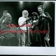 Fotografía antigua: RAFAEL ALBERTI - GEORGES MOUSTAKI - PACO IBAÑEZ - 1993. Lote 58197908