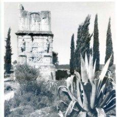 Fotografía antigua: TARRAGONA TUMBA DE LOS ESCIPIONES FOTO ORIGINAL VINTAGE DE JOSIP CIGANOVIC AÑOS 60 PARA D.G. TURISMO. Lote 58250432