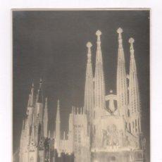 Fotografía antigua: LA SAGRADA FAMILIA, BARCELONA, 1950'S. FOTO: M. VILAMITJANA. 15X20,6 CM.. Lote 60364667