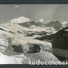 Fotografía antigua: ANDORRA. SEISCIENTOS. CARRETERA. NIEVE. 1962. Lote 61495227