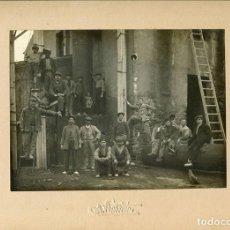 Fotografía antigua: SABADELL. JOAN VILATOBÀ. PRIMER FOTÒGRAFO PICTORALISTA EN ESPAÑA.TRABAJADORES. FÁBRICA. C.1910. Lote 63460248