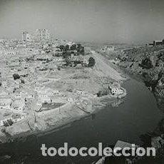 Fotografía antigua: TOLEDO. VISTA DE LA CIUDAD. 17 NOVIEMBRE 1955. Lote 64189475