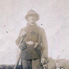 Fotografía antigua: SEGUNDA GUERRA DE MARRUECOS. SOLDADO CATALÁN EN EL NORTE DE ÁFRICA. ATUENDO Y EQUIPO. C. 1915. Lote 68029033